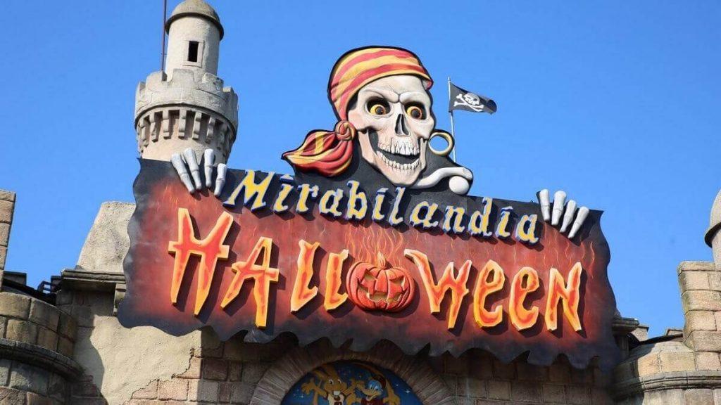 Ingresso di Mirabilandia tematizzato per Halloween